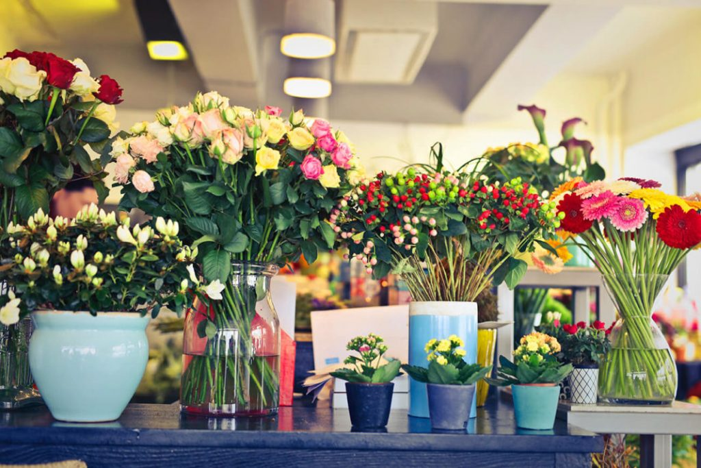 How to Attract Customers at a Flower Shop